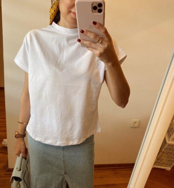 Beyaz Dik Yaka Tişört