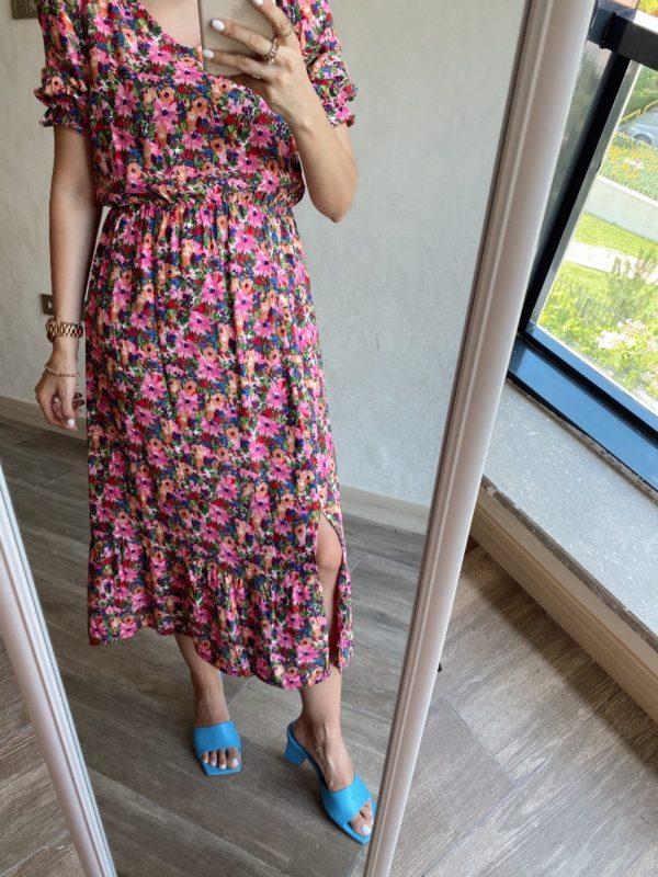 Pembe Çiçekli V Yaka Elbise