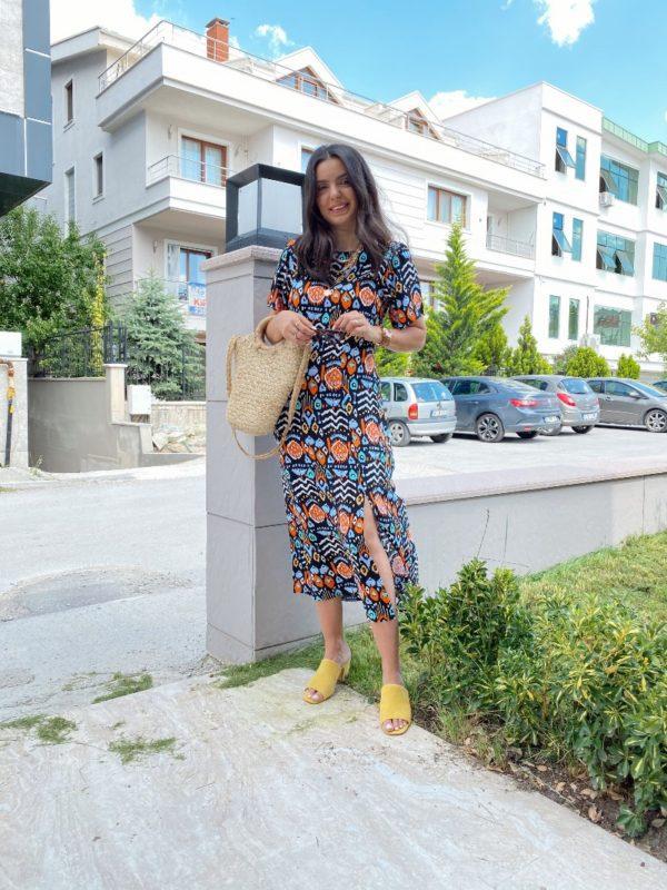 Desenli Yırtmaçlı Elbise