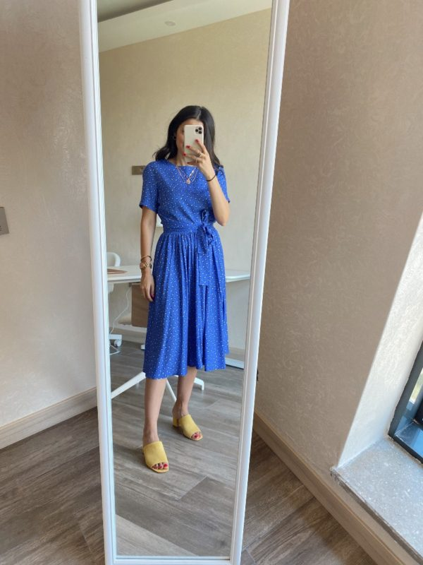 Mavi Kuşaklı Elbise