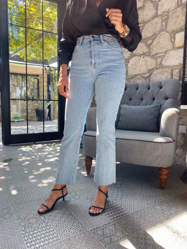 Zara Buz Mavi Straight Jean