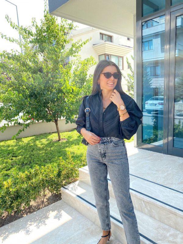 Siyah Güpür Detaylı Gömlek